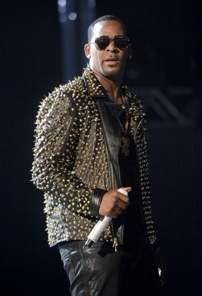 """News: """"Surviving R. Kelly"""" Accusers Talk Extent Of His Abuse: Sex Tapes & Instructions"""