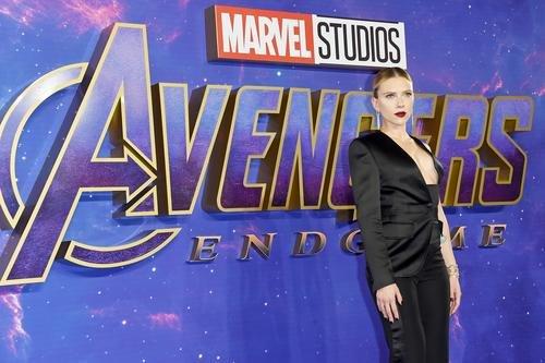 News: Scarlett Johansson Talks