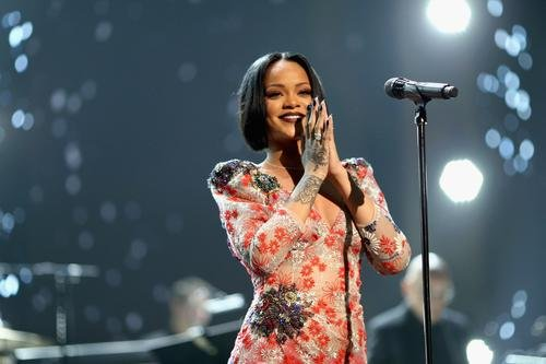 News: Rihanna's Father Denies Exploiting Rihanna's Image In Ongoing Legal Family Battle