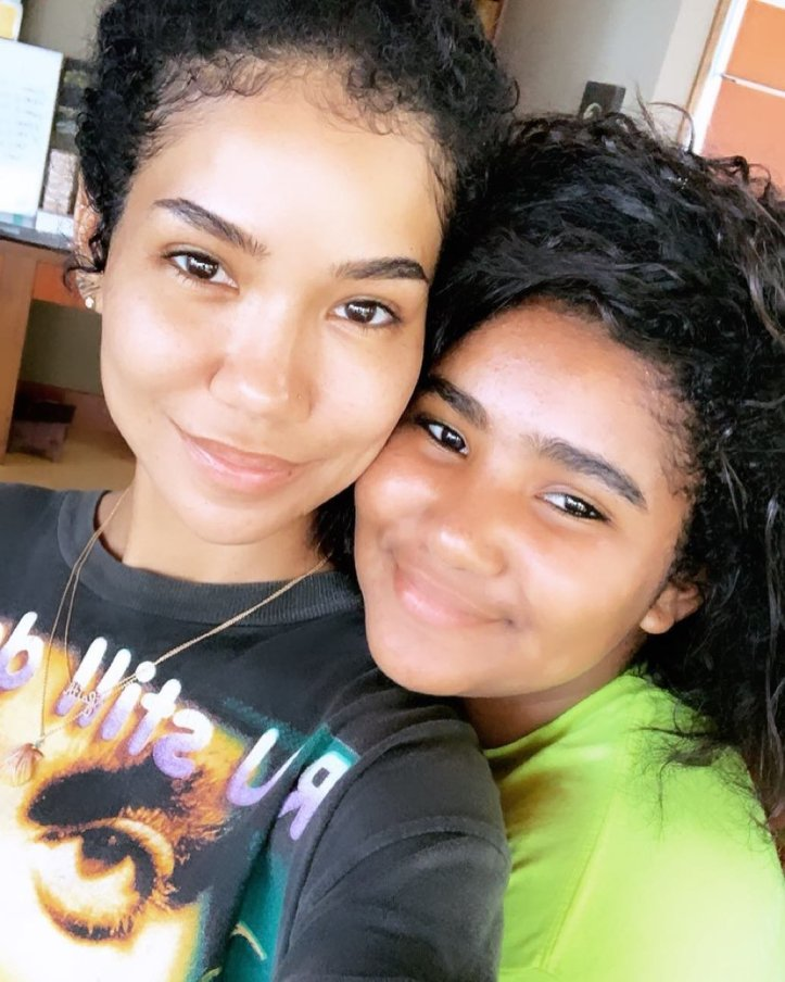 News: Jhene Aiko & Daughter Namiko Are All Smiles During Hawaiian Vacation