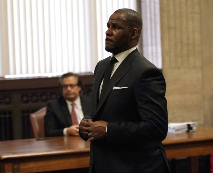 News: R. Kelly Hotline For Alleged Victims Receiving Calls From Women Bragging About Sexual Encounters