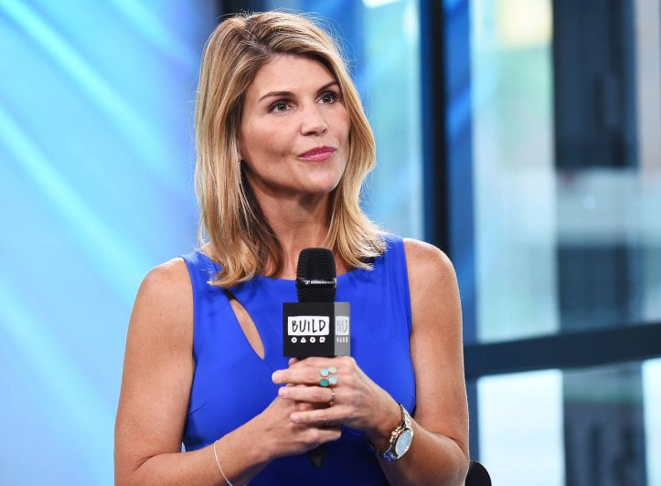 News: Lori Loughlin Consulting PR Firms After College Admissions Scandal
