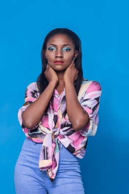 New Music: Simi – Small Thing
